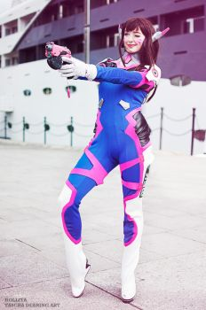 D.va Overwatch Cosplay by Hollitaima