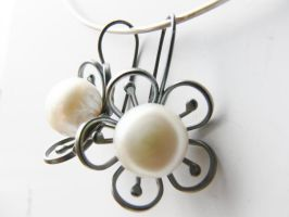 Patinated silver flower earrings by irineja