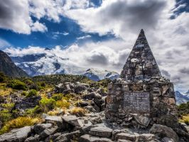 Mount Cook Alpine Memorial by wolfblueeyes