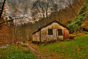 Shack By The River. by GaryTaffinder