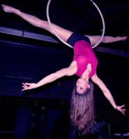 Aerialist by daisybella