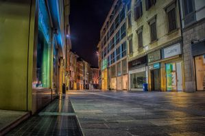 Bergamo empty by night by qwstarplayer