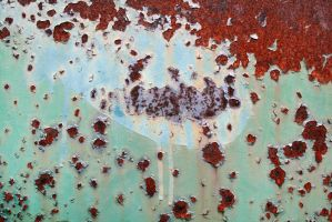 Silverish rust stain on mint container by mercurycode