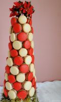 Festive Macaron Tower by cakecrumbs