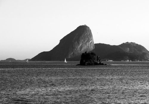 Paradise City BW by r-assumpcao