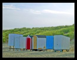 beach cabins by UrbanZombie