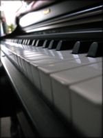 Piano close up by FFVortex