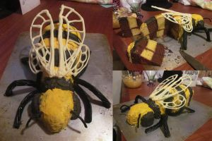 Bee Cake by Silverbirch