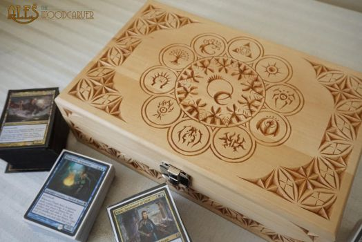 Ravnica Guilds card box by alesthewoodcarver