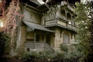 Kufstein - Abandoned house by urCan