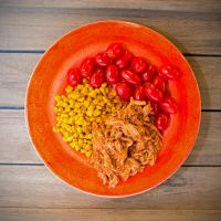 Pulled chicken, butterfried sweetcorn and tomatoes by attomanen