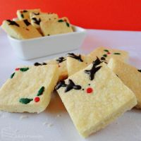 Daring Bakers: Mix 'n' Melt Festive Shortbread by cakecrumbs