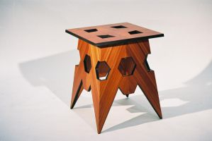 small veneer table by sharp-chisel