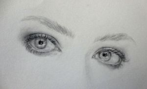 eyes of Amanda Seyfried by Zombieyue