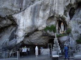 Grotto of Miracles in Lourdes by Malintra-Shadowmoon