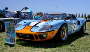 GT 40 Ford Racing by RaynePhotography