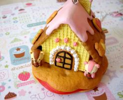 Yummy Gingerbread House by AmbiguousAngel