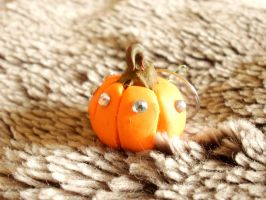 Mini Pumpkin keyring by moonwolf17