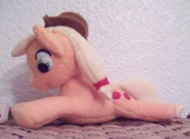 Apple Jack Plush by Miiroku