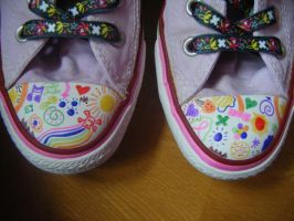 Converses moshes 2 by mamzelle-shooow