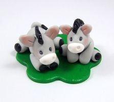 Donkeys Miniature Figurine by HeartshapedCreations