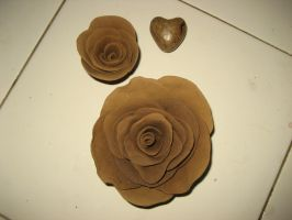 roses from clay by adha-azaky