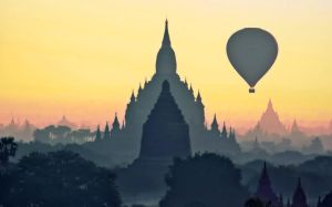 Balloon Over Bagan by PyeAyeNyein