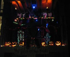 Halloween 2009 Patio Display 5 by EVysther
