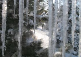 icicles by resistancetoys