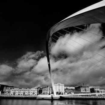 Gateshead Millenium Bridge by StephenJohnSmith