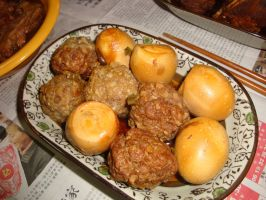 my cooking-Meatball and bacon eggs by sinammonite