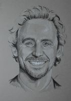 Tom Hiddleston by piratebutl23