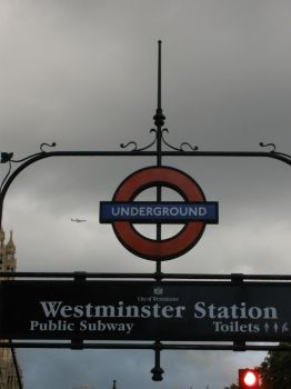 Westminster station by Bang-Senpai
