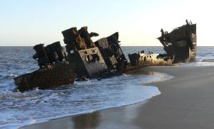 Beira Wreck by ntatepaul