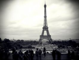 Missing To Paris by xApart