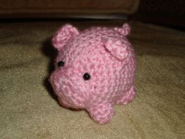 Tiny pig by Lass-Samantha