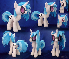 Vinyl Scratch plushie by lazyperson202