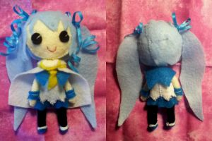 Snow Miku 2014 Plushie by ha-nata