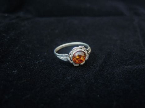 Amber flower ring by ladiane