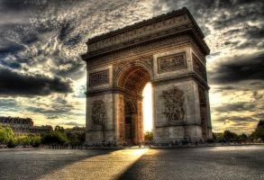 Arc de Triomphe, Paris, France by lilianmanita