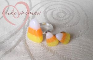 Candy Corn ring + earrings by ilikeshiniesfakery