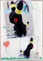 Umbreon Plush by FreezingPlush