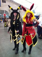 Comic-Con - Umbreon And Flareon Gijinka Cosplays by AriAmused-Drawings