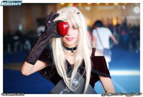 Red apple by cerezosdecamus