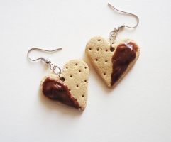 Heart cookie earrings - choco by FrozenNote
