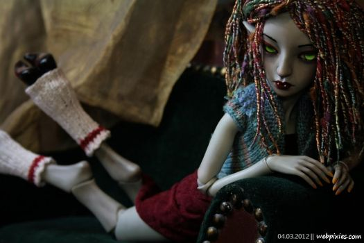 Lounging Lenore by pervyfaerie