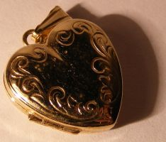 Jewelery - Gold Locket -Macro1 by Gracies-Stock