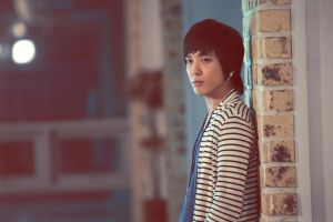 Jung Yong Hwa alone by bevarde
