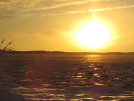Ice sheets sparks under the sun by Enila331