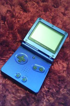 Gameboy Advance SP by Piglovearon